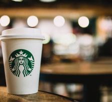 Starbucks helpt mee aan een plasticvrije wereld