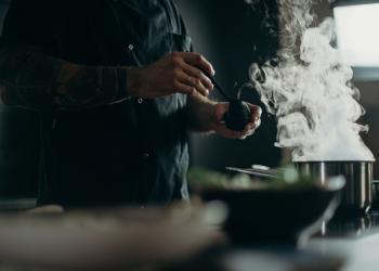 Colruyt Group zet in op 'dark kitchen'